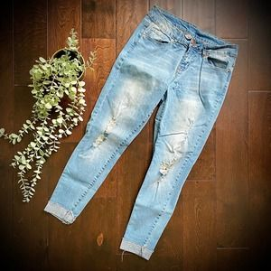 Distressed Skinny Jeans Size 28